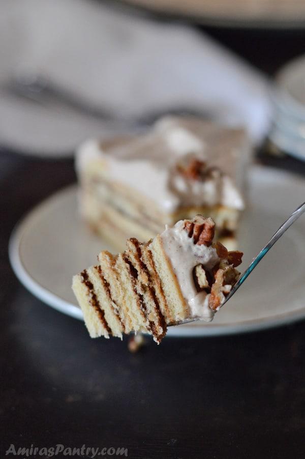 moist cinnamon cake