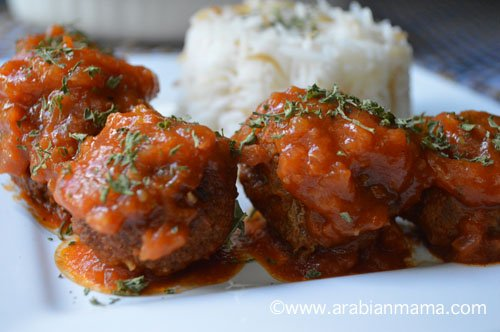 Rice meatballs or koftet roz is – I think – a purely Egyptian dish very delicious and appealing to the taste buds of both adults and kids :).