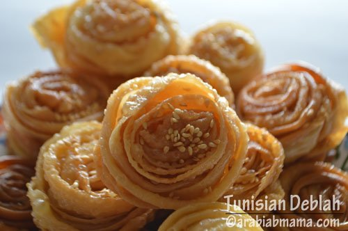 Deblah is a lovely Tunisian dessert, a pleasure to the eye.