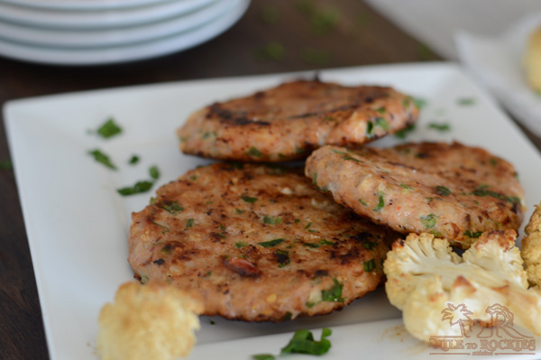 Do you wonder what are the things to make with cauliflower? Try this sausage and cauliflower recipe. Chicken sausage meat paired with roasted cauliflower and parsley, a healthy burger with a veggie twist. Make ahead, freeze for a super easy dinner.
