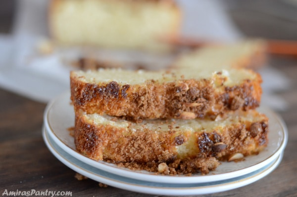Decadent and delicious cinnamon-scented cake with a crunchy nutty top perfect for breakfast, desserts or tea parties.