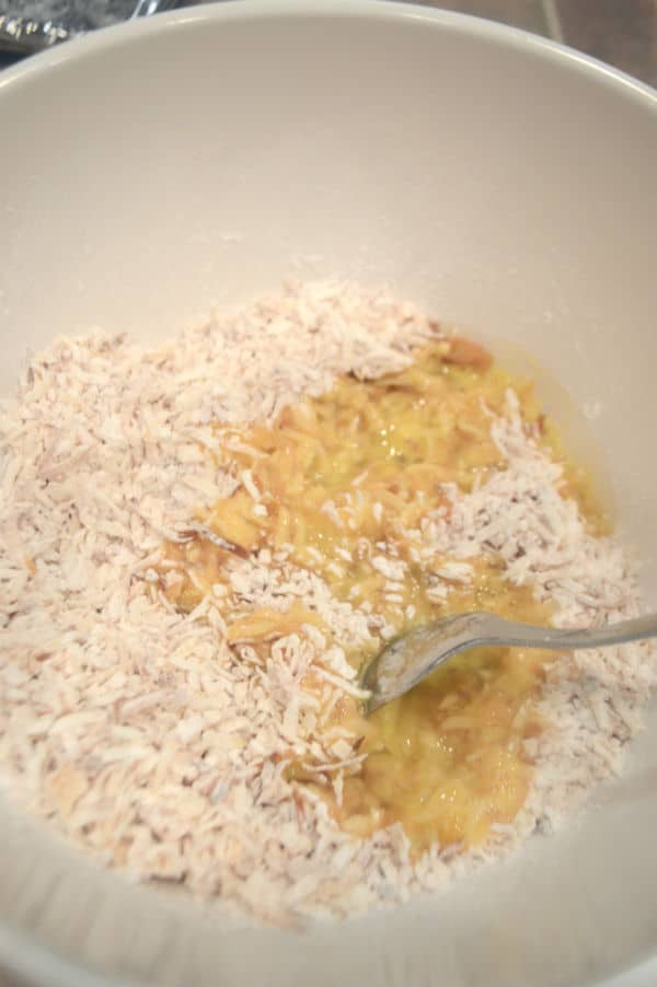 A bowl of food, with Macaroon mixture