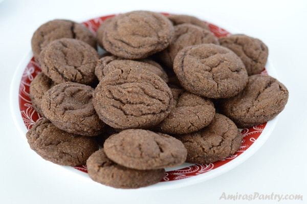 Spicy and chewy molasses cookies.The spices for these cookies were just right for us, not too subtle, not too strong.Chewy Molasses Cookies in time for the holidays, are wonderfully soft and chewy, but you still can make them crunchy if gingersnap is your thing.