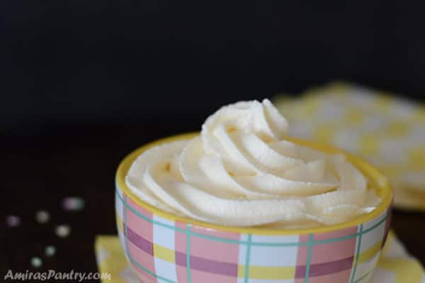 Fluffy, delicious and melts in your mouth marshmallow buttercream.
