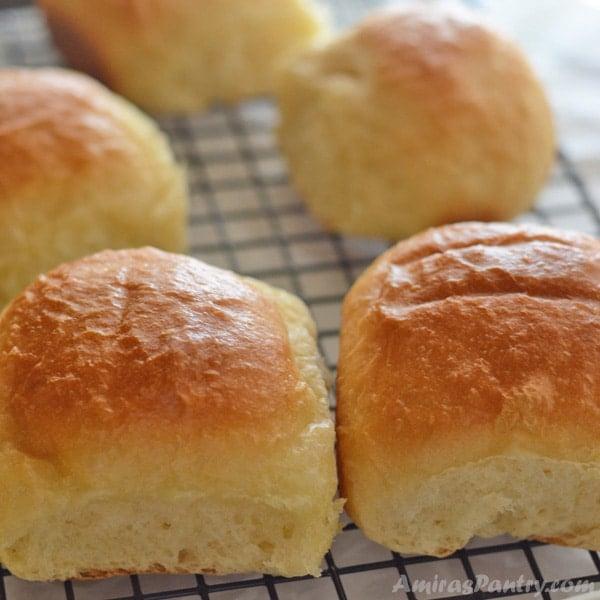Fluffy Buttery Dinner Rolls | Amira's Pantry
