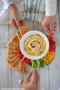 how to make hummus with tahini